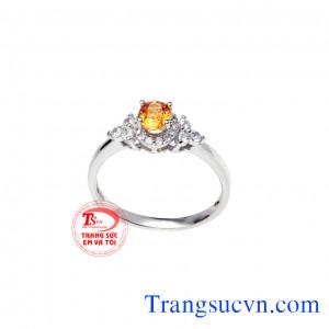 Nhẫn đá saphir vàng nữ