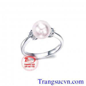 Nhẫn vàng trắng ngọc trai