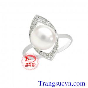 Nhẫn trắng ngọc trai trắng nuôi