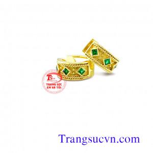 Khuyên vàng tây emerald