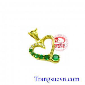 Mặt dây trái tim emerald đẹp