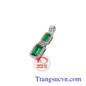 Mặt dây dọc emerald