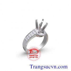 Vỏ nhẫn nữ kim cương trắng