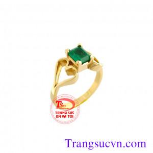 Nhẫn nữ vàng emerald vuông đẹp