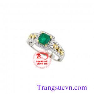 Nhẫn nữ đá emerald xinh sắn