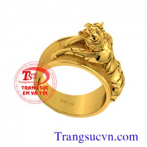 Nhẫn nam tuổi Dần    Nhẫn Nam Đầu Hổ dành thiết kế mới sang trọng, tinh tế. Hổ là biểu tượng của sức mạnh, sự chiến thắng và quyền lực