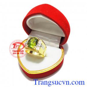 Nhẫn peridot vàng 10k