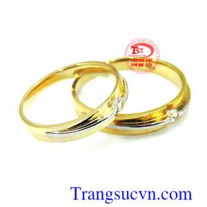 Cặp nhẫn cưới tình yêu