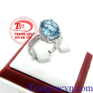 Nhẫn nữ topaz sang trọng