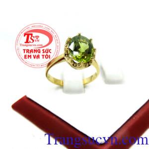 Nhẫn nữ peridot sang trọng