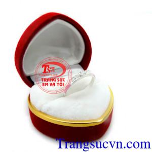 Nhẫn nữ bạc thời trang