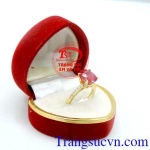 Nhẫn ruby nữ thần