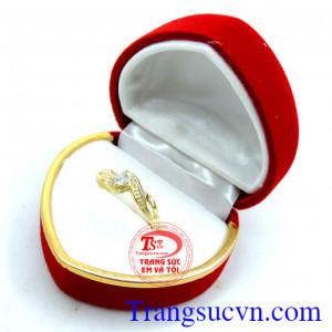 Nhẫn nữ vàng đá trắng nhỏ