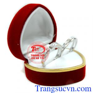 Nhẫn cưới vàng trắng kim cương đẹp