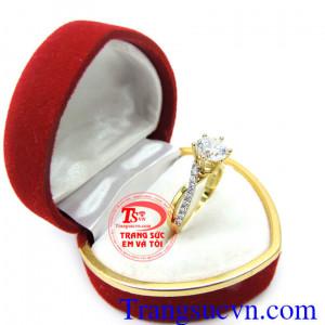 Nhẫn nữ vàng tây kim cương nhân tạo