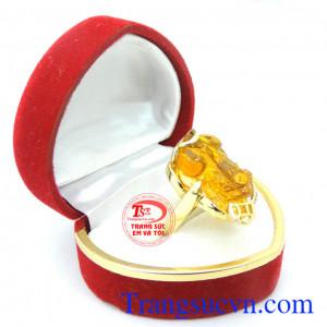 Nhẫn nữ tỳ hưu vàng xinh