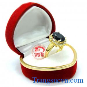 Nhẫn nữ đá sapphire thiên nhiên