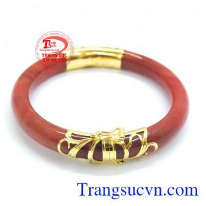Vòng ngọc cẩm thạch đỏ bọc vàng 10k