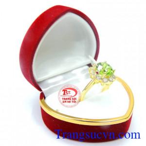 Nhẫn nữ peridot vàng 14k nữ tính