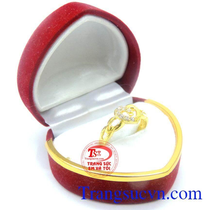 Nhẫn nữ trái tim yêu thương