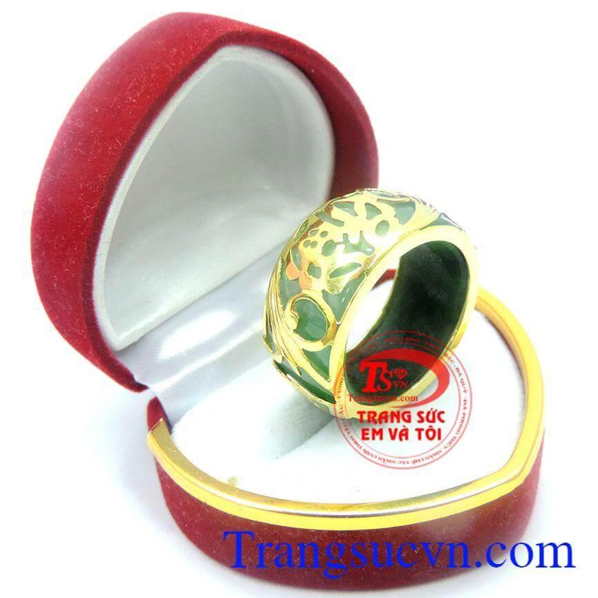 Nhẫn ngọc bọc vàng chữ PHÚC