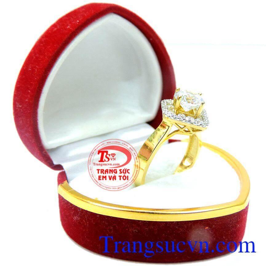 Nhẫn kim cương nữ tính thời trang