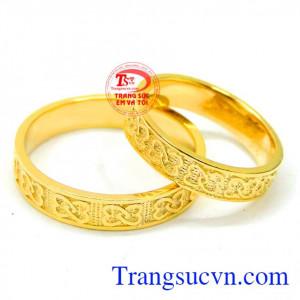 Nhẫn cưới chạm khắc quý phái 14k