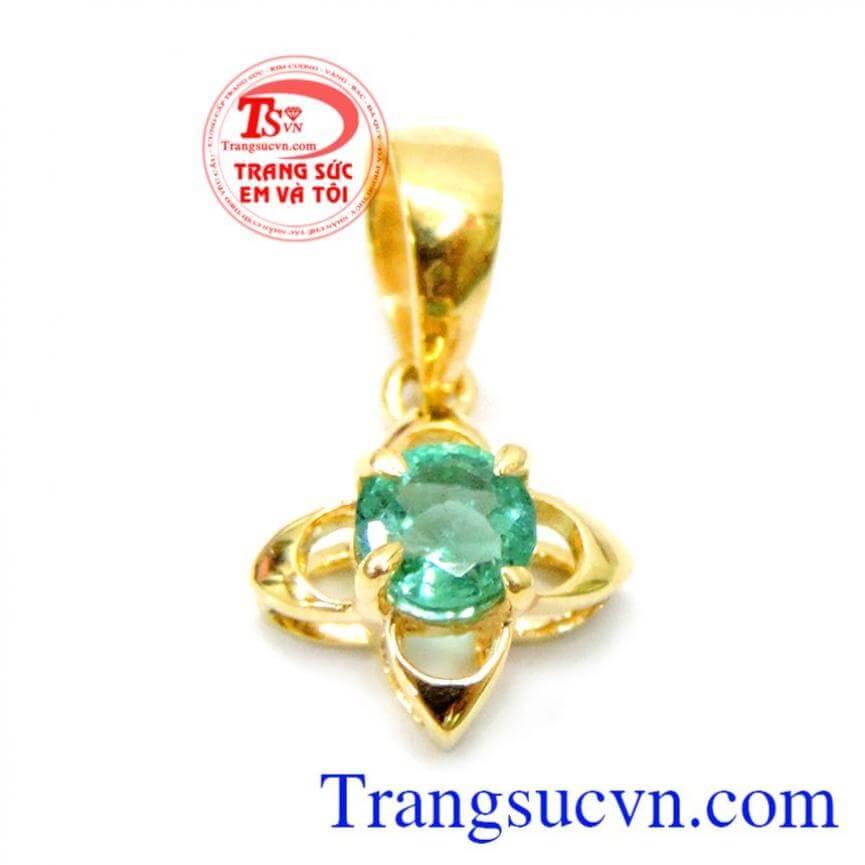 Mặt nữ sang trọng đính đá emerald