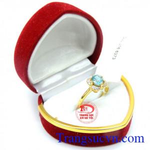 Nhẫn zircon nữ tính đeo may mắn