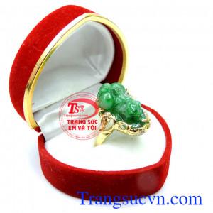 Nhẫn tỳ hưu jadeite cá tính đẹp