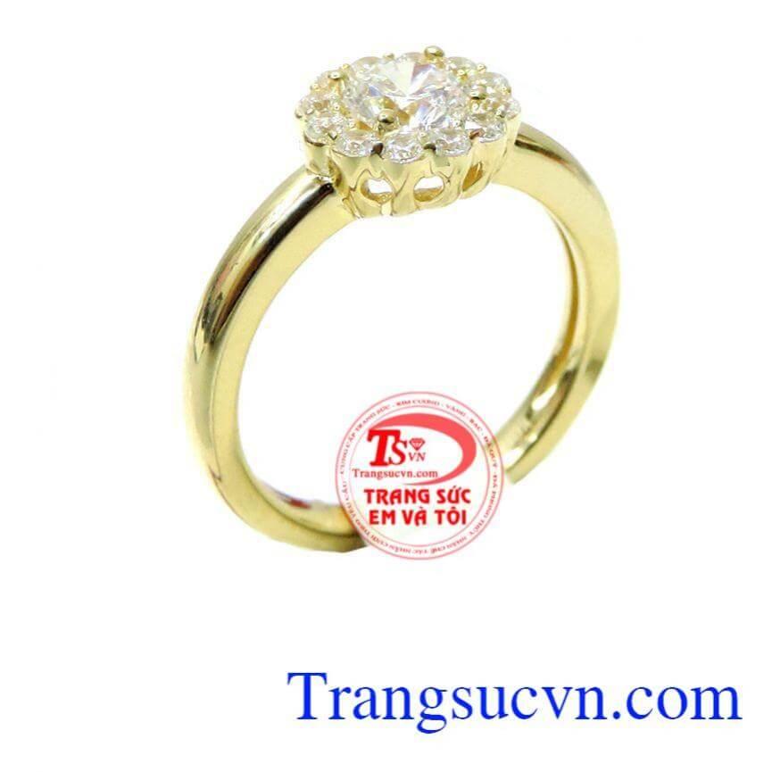 Nhẫn nữ vàng mặt đá bông hoa