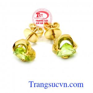 Hoa tai peridot 14k đeo trẻ đẹp