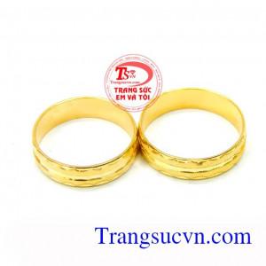 Đôi nhẫn cưới kỉ vật tình yêu