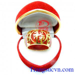 Nhẫn ngọc bọc vàng phú quý