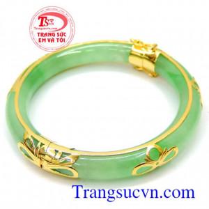 Vòng jadeite đeo hợp mệnh
