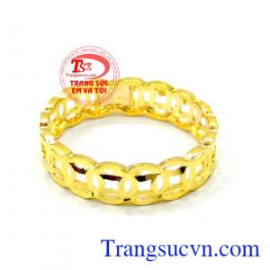 Nhẫn nữ kim tiền