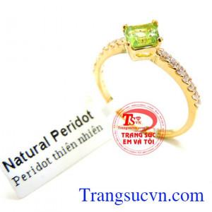 Nhẫn vàng Peridot quý phái