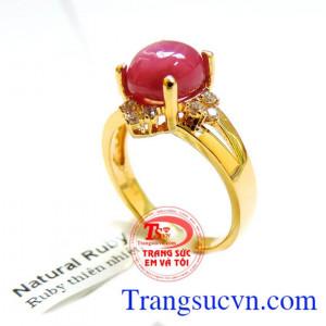 Nhẫn vàng ruby sắc son