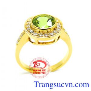 Nhẫn vàng đá mệnh mộc