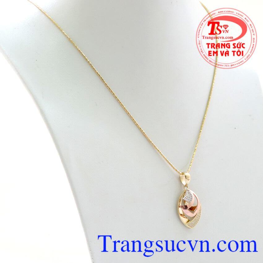 Bộ dây chuyền đẹp, chuẩn chất lượng, mặt dây thiết kế kiểu dáng nhỏ gọn, thanh lịch, tạo vẻ đẹp hấp dẫn cho nữ.