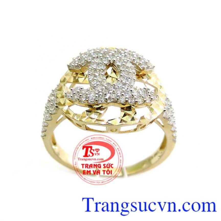 Nhẫn nữ chanel đeo nổi bật