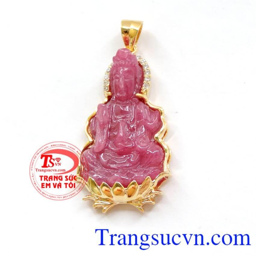 Đá ruby đã tạo nên rất nhiều truyền thuyết và giai thoại trong suốt chiều dài lịch sử nhân loại. Mặt ruby đức mẹ