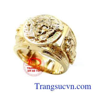 Nhẫn Nam Versace Vàng 10k chất lượng cao mẫu mã đẹp. Nhẫn Nam Versace 10k Thời Trang vàng đẹp hàng hiệu,chất nhẫn vàng versace đảm bảo,Uy tín khách hàng ưa chuộng,nhẫn versace logo hàng hiệu, Giao nhẫn nam versace vàng toàn quốc thanh toán an toàn.