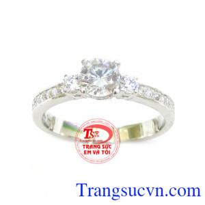 Nhẫn đính hôn vàng trắng