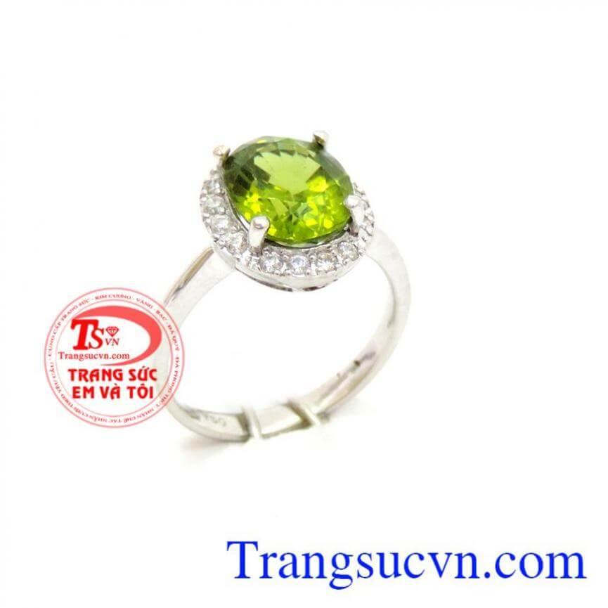 Nhẫn nữ peridot 18k