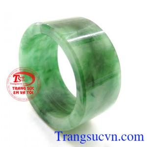 Nhẫn Ngọc Jadeite Tự Nhiên