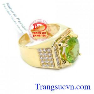 Nhẫn Nam Mệnh Hỏa Đá Peridot chất lượng vàng đảm bảo. Nhẫn Nam Mệnh Hỏa Đá Peridot, nhẫn nam vàng tây, nhẫn nam đẹp