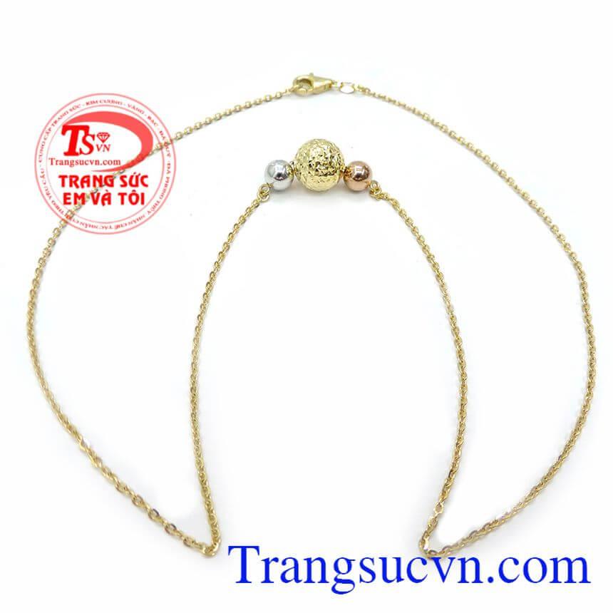Dây chuyền nữ vàng tây quý phái kết hợp cùng mặt dây chuyền nữ tinh tế và quyến rũ