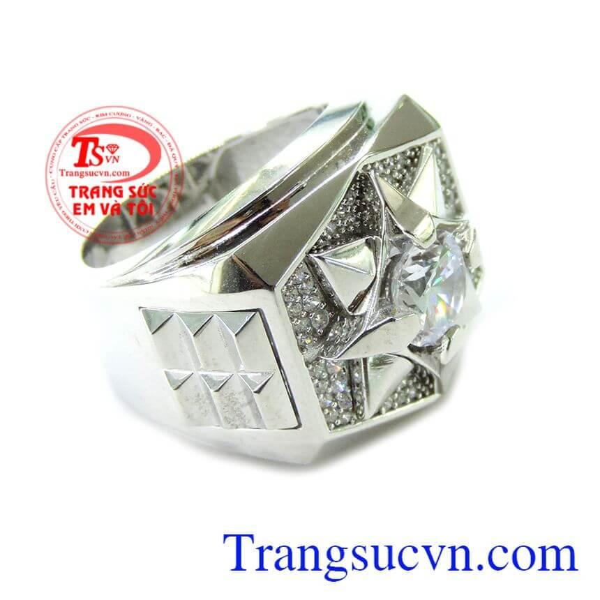 Nhẫn Nam Vàng Trắng Phong Cách phù hợp nhiều loại trang phục và thời trang phái mạnh