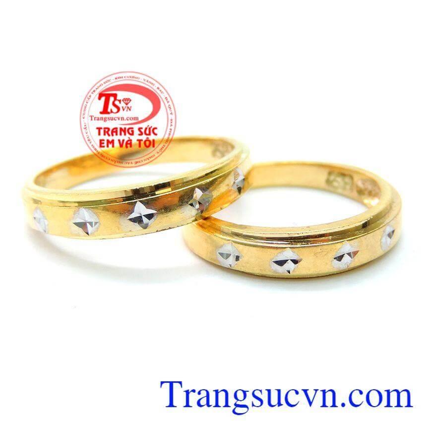 Nhẫn cưới lứa đôi hạnh phúc
